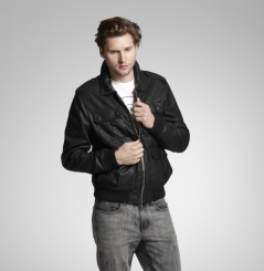 picture of Kenneth Cole upto 80% off Warehouse Sale